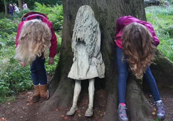 weeping girls